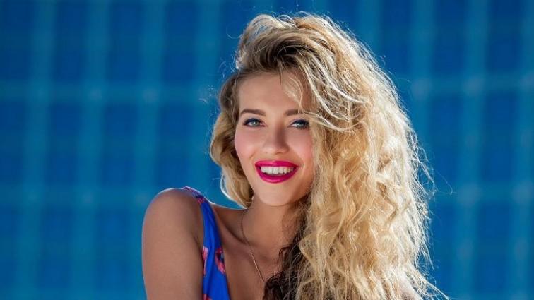 Регіна Тодоренко поміняла партнера по зйомках (Фото, відео)