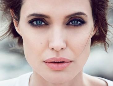 У Анджеліни Джолі з'явився двійник (Фото)