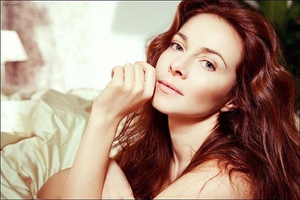 Актриса Катерина Гусєва вразила «голою» сукнею на червоній доріжці (ФОТО)