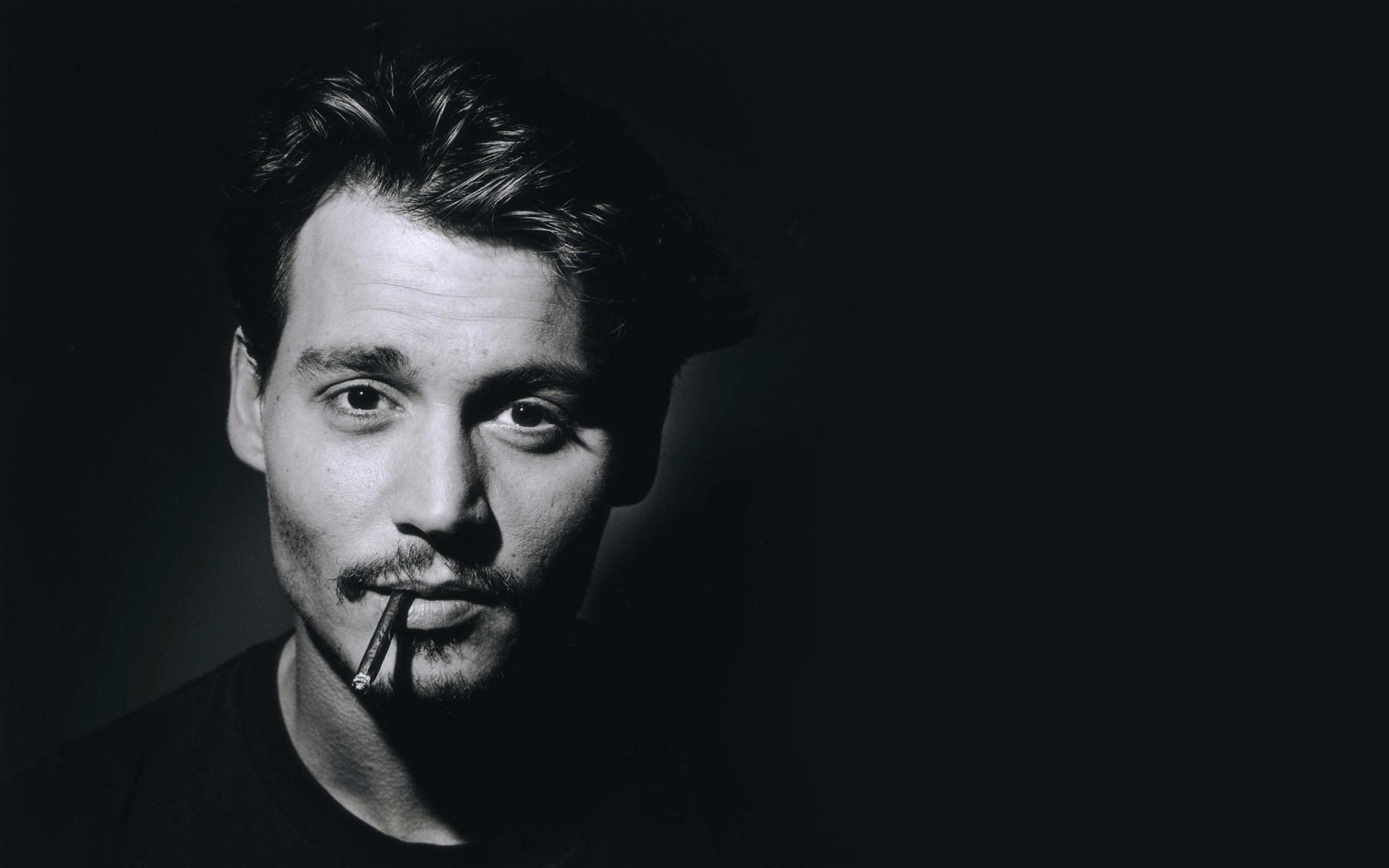 Джонни Депп нашел замену избитой жене (фото)