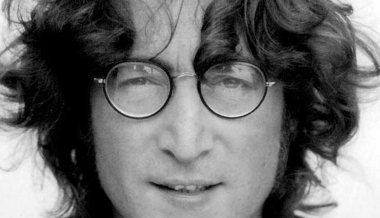 Сорочку з кров'ю Леннона купили за 41 тис доларів (Фото, відео)