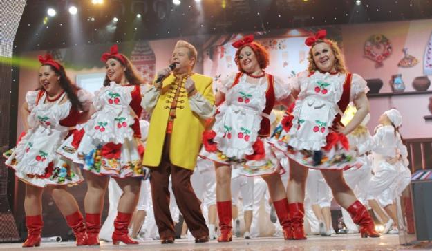 Безголосий Поплавський представляє талант України у світі: сором всієї нації у відео (ФОТО І ВІДЕО)