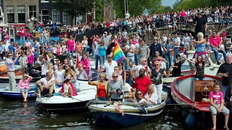 Співачка Камалія взяла участь у гей-параді в Амстердамі (ФОТО)