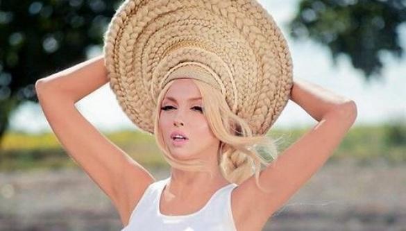 Оля Полякова показала свою природну красу без макіяжу (ФОТО)