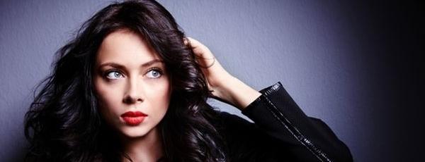 Актриса Настя Самбурська показала ідеальну фігуру в купальнику (ФОТО)