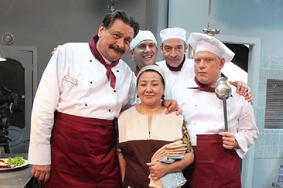 Як змінилися улюблені актори комедійного серіалу «Кухня» з початку зйомок (ФОТО, ВІДЕО)