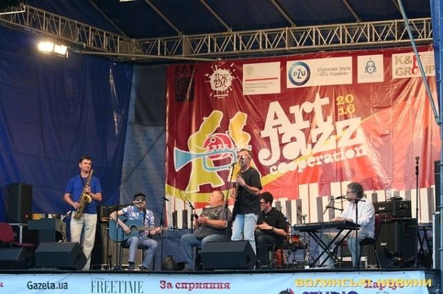 Перший день джазового фестивалю в замку Любарта (ФОТО)
