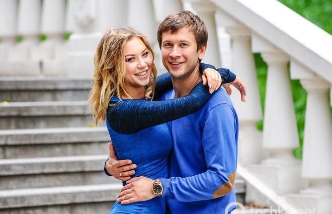 Медовий місяць: Дмитро Ступка та Поліна Логунова вирушили на відпочинок у США (фото)
