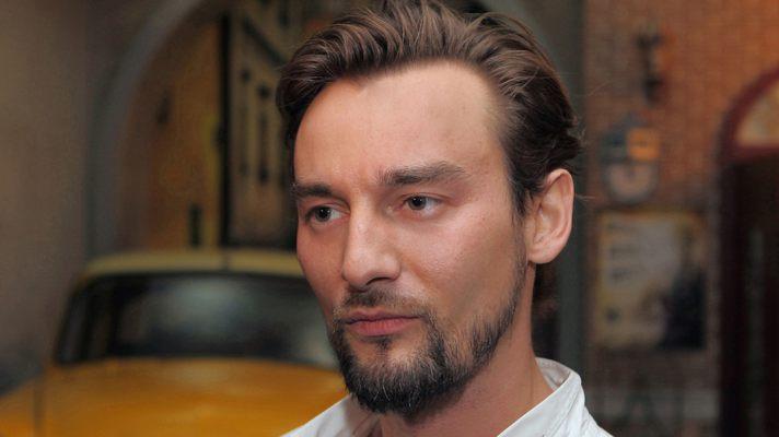 Режисер Алан Бадоєв показав, як виглядав у дитинстві (ФОТО)