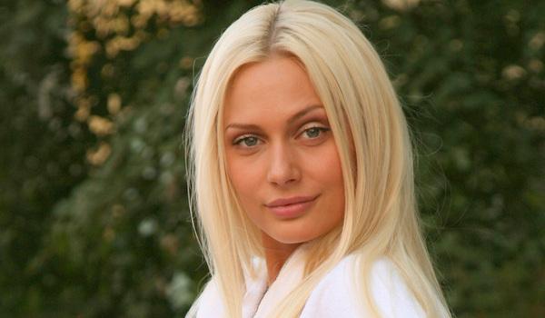 Актриса Наталя Рудова показала груди в купальнику за 8 тисяч гривень (ФОТО)