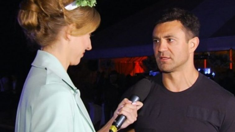 Чудо в пір'ї: наречена Миколи Тищенка зганьбилася жахливим вбранням на вечірці (ФОТО)