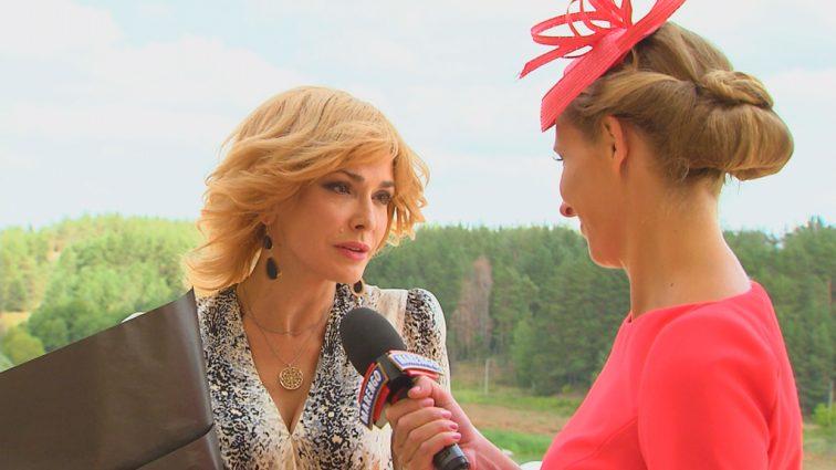 Дочка Ольги Сумської шокувала виходом в світ у прозорому вбранні з російським коханцем (ФОТО)