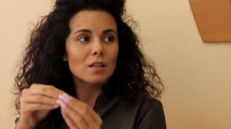Докотилася: Настю Каменських жорстоко відшмагали батогом як в еротичному відео (ФОТО)