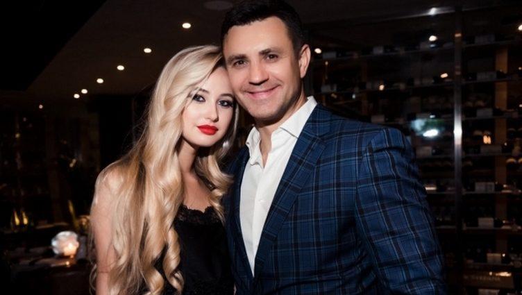 22-річна наречена Миколи Тищенка оголила свої величезні груди у розпусній фотосесії (ФОТО)