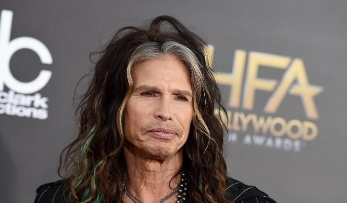 Сенсація: Соліст Aerosmith одружиться на «онучці»