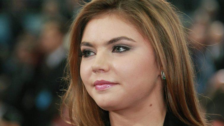 Як виглядає молодша сестра Аліни Кабаєвої? (ФОТО)