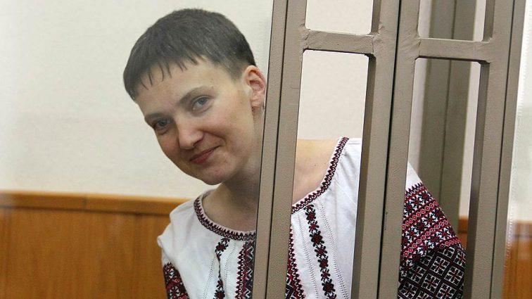 Сексуашечка: з'явилося розпусне фото Надії Савченко у непристойній сукні із задертими ногами (ФОТО)