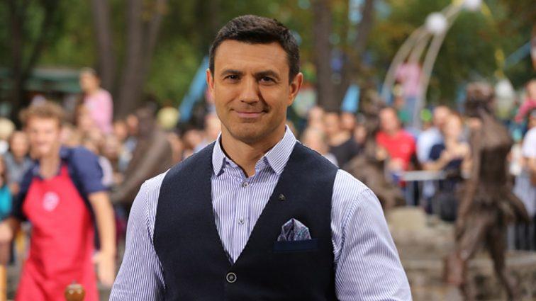Микола Тищенко з молодою дружиною відпочиває в США