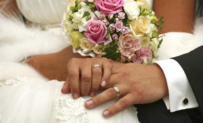 Не стало ще одного холостяка: відомого українського шоумена викрили у таємному одруженні (ФОТО)