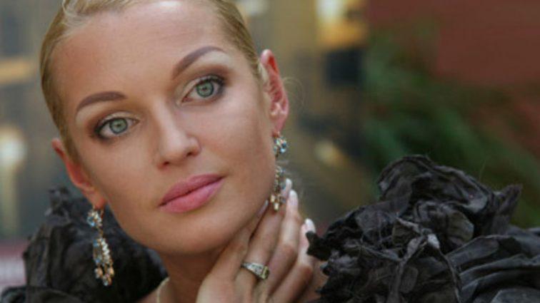 Аж мову відняло: Анастасія Волочкова показала свій розпусний маєток (ФОТО)