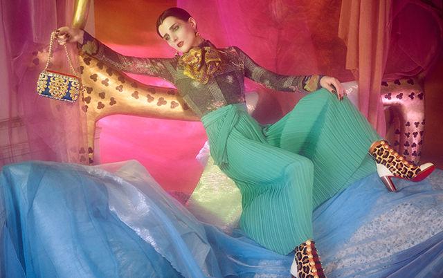 Потрапили в казку. Christian Louboutin представив романтичний кампейн капсульної колекції взуття (ФОТО)