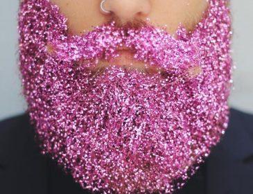 Ще до такого божевілля ми не доходили: в соцмережах набирає обертів новий тренд «блискуча борода» (ФОТО)