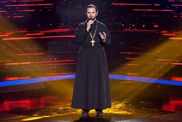 Священик із шоу Голос Країни вважає Героїв Небесної Сотні безумцями та не поважає канал 1+1