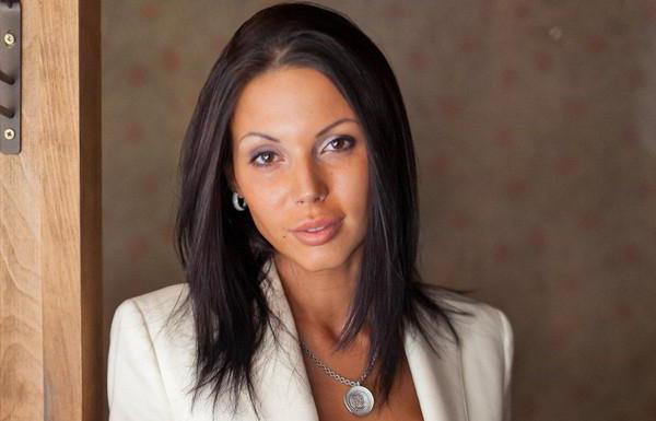 А вона ніяк не заспокоїться: вагітна Оксана Самойлова розлякала всіх відвідувачів закладу своїм вчинком (ФОТО)
