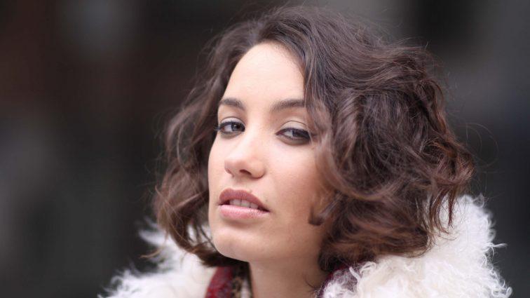 Співачка Вікторія Дайнеко під враженнями від «50 відтінків темряви» роздягнулась для фанатів (ФОТО)