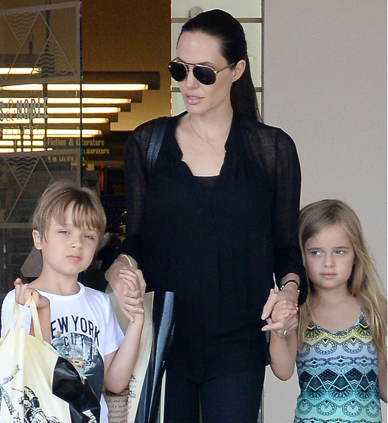 NO JUST JARED USAGE Angelina Jolie takes Vivienne and Knox Jolie-Pitt shopping at Barnes & Noble in Los Angeles****NO DAILY MAIL SALES*** Pictured: Angelina Jolie, Vivienne Jolie-Pitt, Knox Jolie-Pitt Ref: SPL1083143  190715   Picture by: Splash News Splash News and Pictures Los Angeles:310-821-2666 New York:212-619-2666 London:870-934-2666 photodesk@splashnews.com