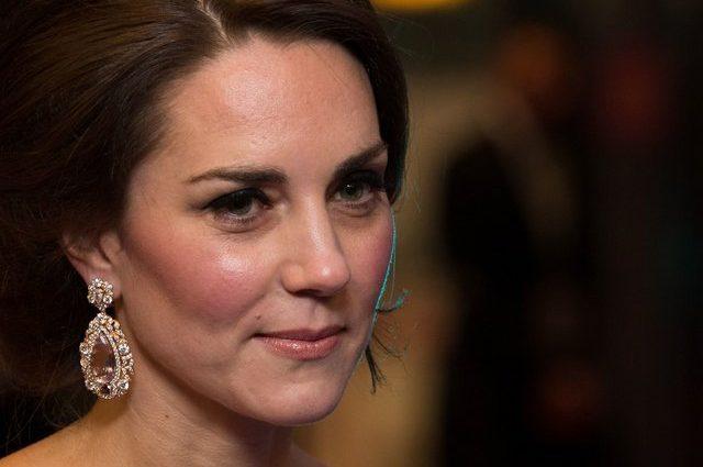 Просто ваав: Кейт Міддлтон блищала на червоній доріжці в стильній сукні від Alexander McQueen