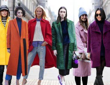 Головний весняний тренд — яскраве довге пальто