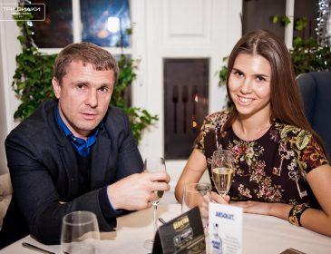 Виставила все, що тільки можна: як розпусна дружина відомого українського футболіста оголилась (ФОТО)