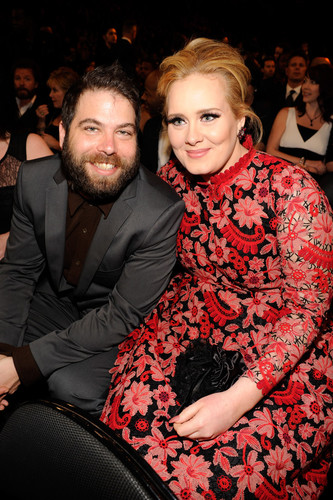 LOS ANGELES, CA - FEBRUARY 10:  Adele (R) attends the 55th Annual GRAMMY Awards at STAPLES Center on February 10, 2013 in Los Angeles, California.  (Photo by Kevin Mazur/WireImage)