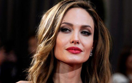 Таємничий незнайомець: Анджеліна Джолі помічена з новим бойфрендом (ФОТО)