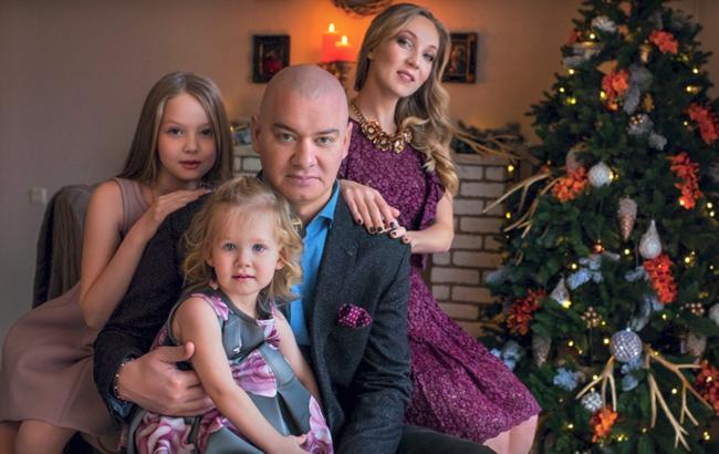 Українки у захваті: Дружина Євгена Кошового здивувала фотосесією з доньками (ФОТО)