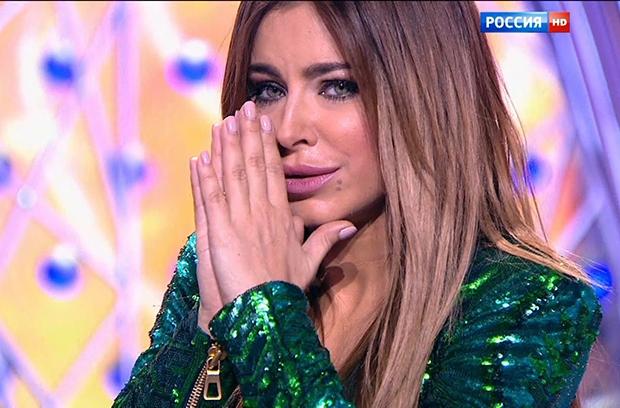 Лицемірна зрадниця! Ані Лорак під час концерту в Росії зізнавалась у любові до України (ВІДЕО)