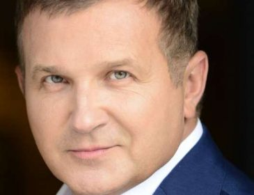 Який він гарячий… Юрій Горбунов показав інтимну світлину вдома