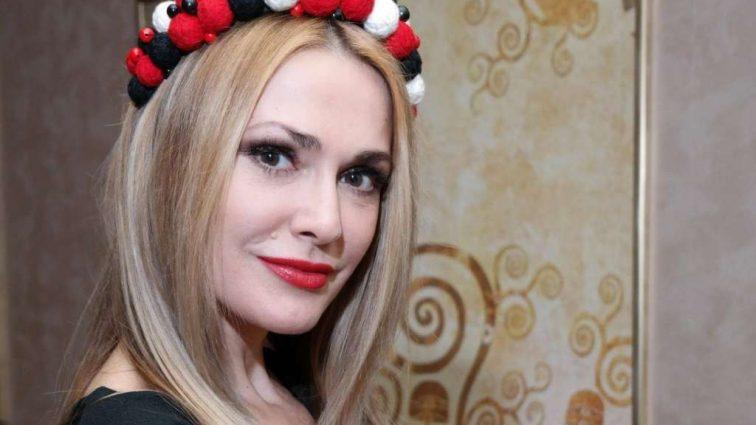 Як дві краплі води: Ольга Сумська показала красуню-дочку. Шанувальники не вірять своїм очам (ФОТО)