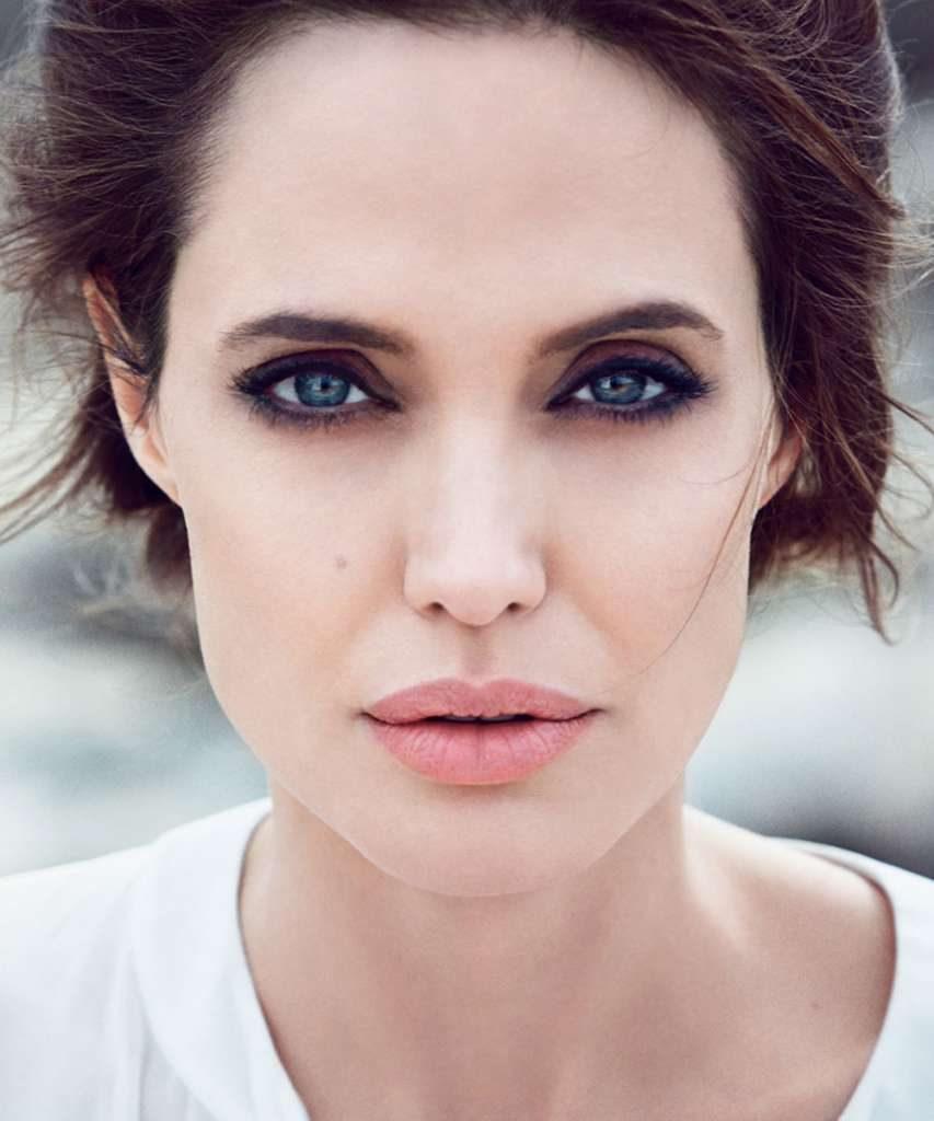 ANGELINA-JOLIE-DuJour-Magazine-Photoshoot-4