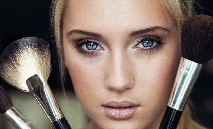 Трендовий макіяж в пастельних тонах: як вибрати тіні за кольором очей