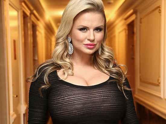 Шок: Анна Семенович усиновить дитину