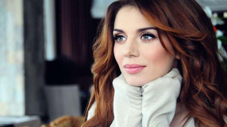 «Я безумно скучаю по вашим глазам», — Анна Сєдокова відмовляється від відпочинку? (ФОТО)