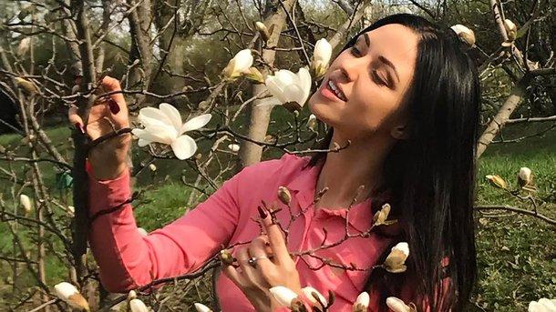 Відома співачка зганьбилась на всю країну, показавши груди всьому Інстаграму (ФОТО)