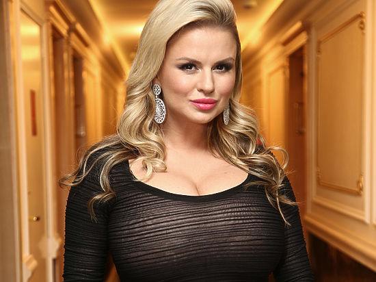 Зовсім сором втратила: Анна Семенович підірвала мережу своїми оголеними фотографіями!