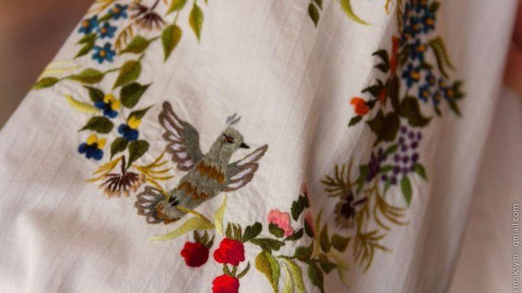 Що носити в квітні: 7 модних новинок з квітковим принтом