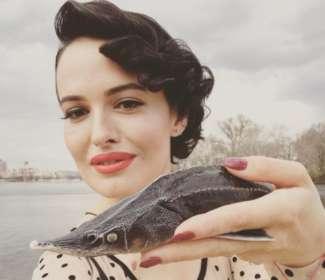 Даша Астаф'єва в ефектному вбранні стала учасницею акції «Цирк без тварин»