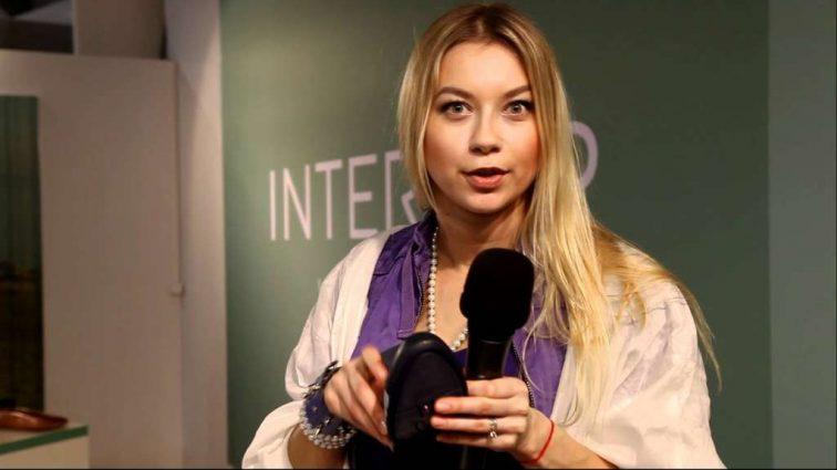 Нарешті вона почала пристойно виглядати!!! Поліна Логунова показала нові фото з животиком