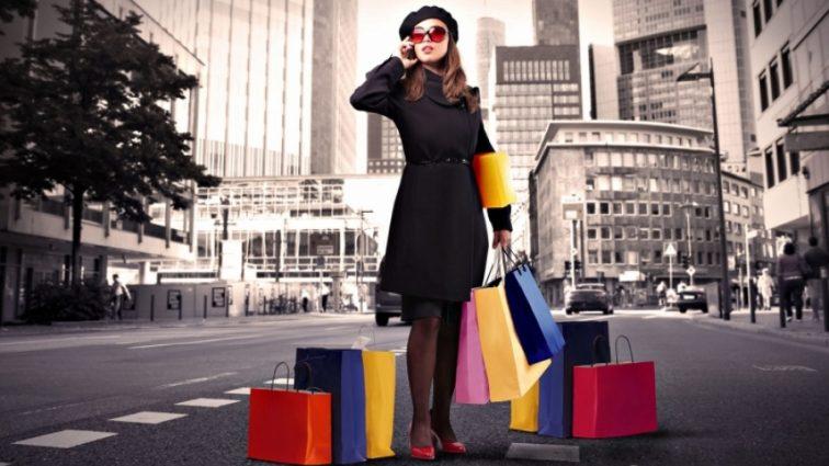Вчені розкрили страшну жіночу таємницю. Чому жінки люблять шопінг?