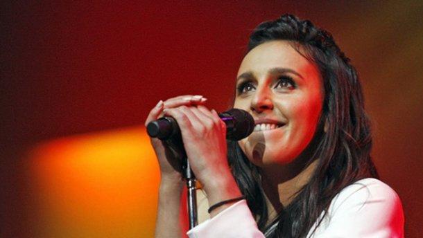 Під час виступу Джамали на Євробаченні-2017 фанат показав голі сідниці: фото і відео